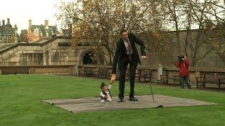 Hombre más alto con el más bajo del mundo