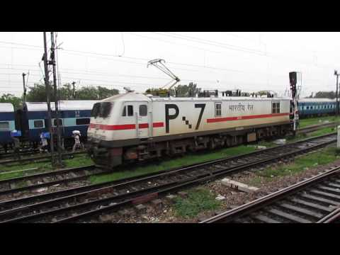 Gzb Wap 7 X Tamil Nadu Express: Departing Hazrat Nizamuddin video