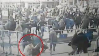 Polise ateş açan kadın terörist öldürüldü! İşte saldırı anı