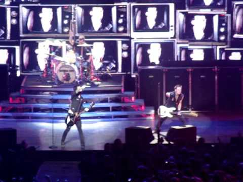 Green Day - American Idiot (live @ Ericsson Globe, Stockholm, SWEDEN 11.10.2009)