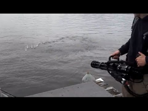 M134 MINI GUN AIRSOFT SHOOTING AT THE LAKE