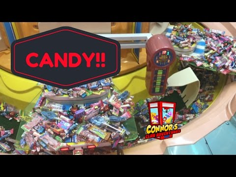 🤡You WON'T BELIEVE how BIG this CANDY Pusher Claw Machine is!!🤡