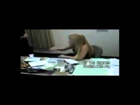 Policial civil FEMININA FICA NUA e foi presa na delegacia da corregedoria em flagrante