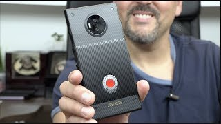 Unboxing RED Hydrogen One  (Houdini Edition)
