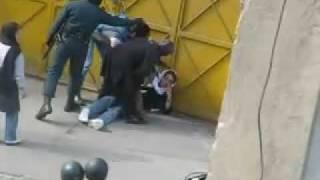 کتک زدن زنان توسط نیروی انتظامی و بسیج سیزده آبان