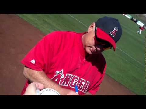 Mike Scioscia signing autographs at Angels spring training