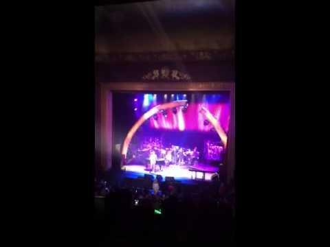 Barry Manilow Bergen PAC