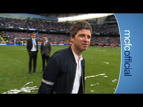 NOEL GALLAGHER GETS ARMBAND | City v West Ham Chapions 2014