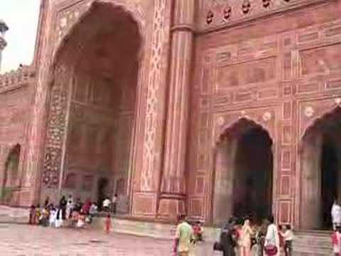 Side View Badshahi Mosque Lahore14 June 2008 Pakistan