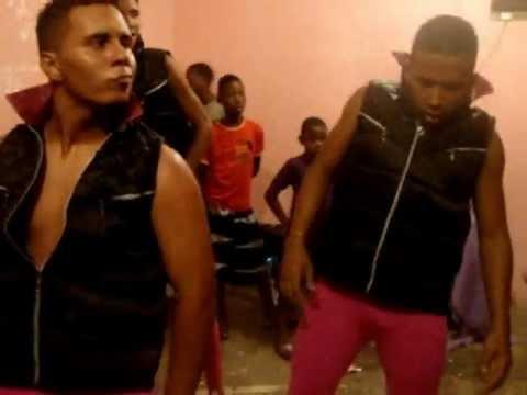 Grupo Kebre Dance
