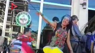 """الجالية المصرية في إثيوبيا ترقص على أنغام """"بشرة خير"""" لحظة وصول السيسي"""