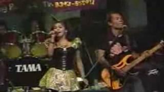 download lagu Lusiana Safara Habibi Persadaria Sunan Drajat Di PonPes Darussalam gratis