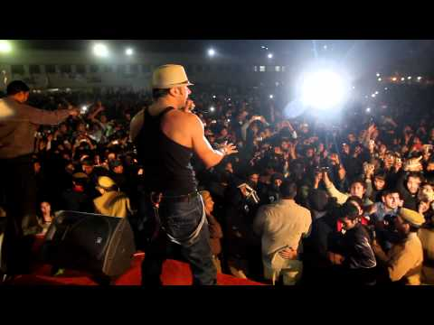 Yo Yo Honey Singh and Mafiamundeer at Deen Dayal Upadhyaya College...