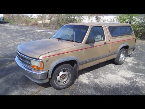 1990 DODGE DAKOTA Truck Start Up Walk Around and Review