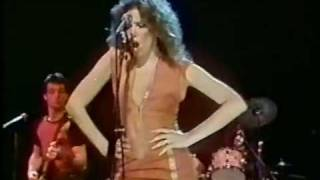 Watch Carly Simon Vengeance video