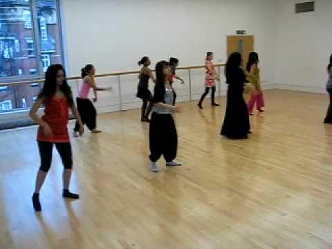 Shreya's Dance Arts - Desi Girl marjaani video