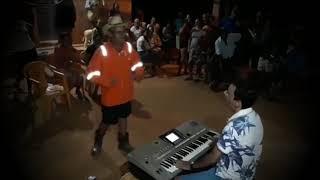 Seu Mané  canta a musica guaxinim do Cachorrão do Brega