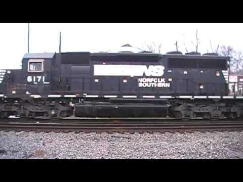 Norfolk Southern 322 NB Manifest w/ 9 Engines in Austell,Ga 01-30-2013© (16x9)