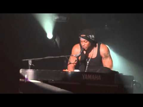 D&#39;Angelo Live @ Znith Paris 2012 01 29