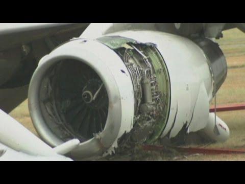 Landing plane skids off runway in Japan