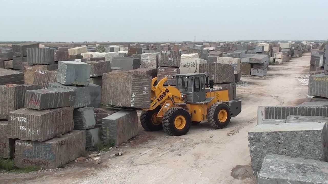 Loading Granite Blocks Moving Granite Blocks at