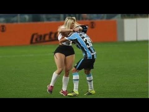 Momentos más Graciosos del Fútbol   Locos Fans En El Fútbol (Peleas, Caidas y Jugadas)
