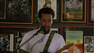 Watch Ben Harper Put It On Me video