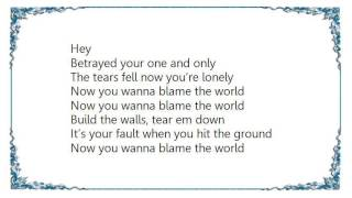 Watch Daley Blame The World video