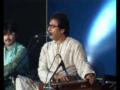 Talat Aziz Singing 'chahenge Tujhe' Live In A Private Concert video