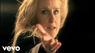 Watch Melissa Etheridge Fearless Love video