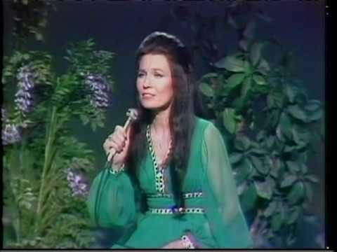 Loretta Lynn - Hello Darlin