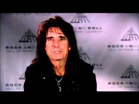 Alice Cooper discusses the class of inductees at the 2011 Inductions