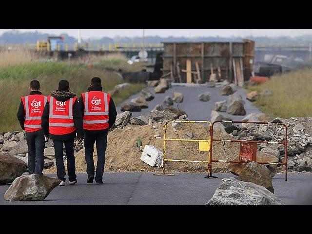 En Francia, 19 centrales nucleares se suman a las huelgas que amenazan la economía del país
