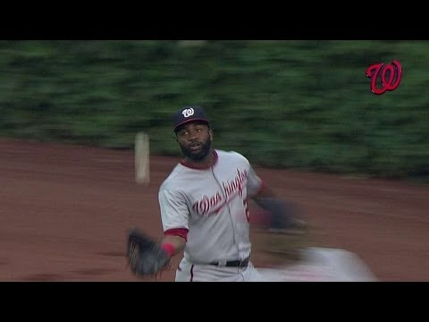 WSH@CHC: Span makes a nice running basket catch