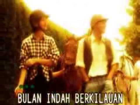 Harvey Malaiholo Feat  Rafika Duri - Cinta Pertama video