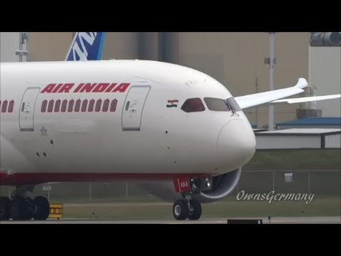 Upclose Air India VT-ANA 787 Dreamliner Departure @ KPAE