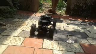 Rock crawler chalenges offroad