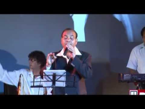Debu Mukerjee sings Kiska Rasta Dekhe.mpg