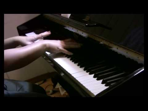 Rieng mot goc troi. (Piano). Performed by Trinh Phuc.