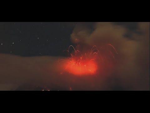 Volcán Tungurahua: La caída de ceniza se mantiene en zonas cercanas