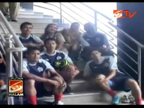 Arema IPL Terlantar di Jayapura [25-11-2011]