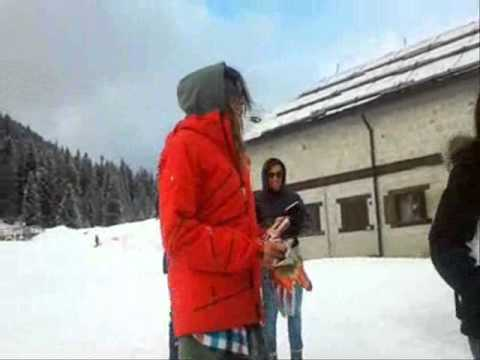 VERONICA CIARDI balla AI SE EU TE PEGO davanti alla telecamera! Madonna Di Campiglio – 21.01.12