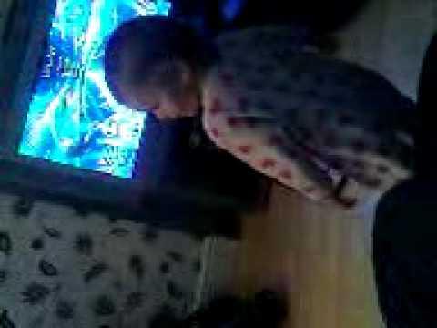 Demi Shaking Her Booty Lol.3gp video