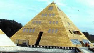 INSIDE THE GOLDEN PYRAMID HOUSE