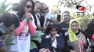 أنصار مبارك يترقبون لحظة الحكم عليه أمام المعادي العسكري