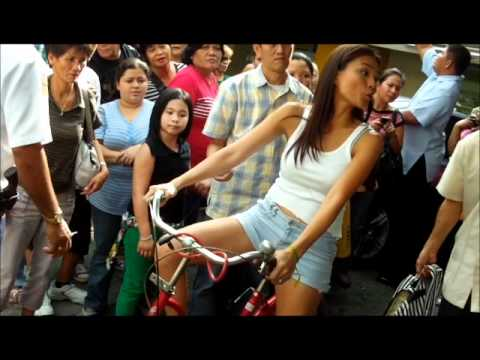 Julia Clarete Biking