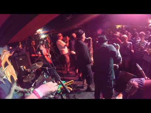 The Guns Of Navarone At Glastonbury Festival 2014 - Train To 54-46