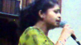 download lagu Babuji Dheere Chalna.mp3 gratis