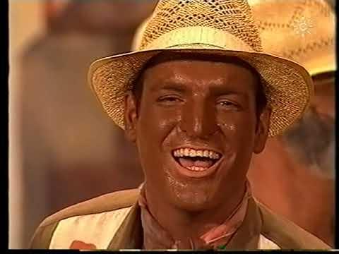 Comparsa - La Revolución \ Actuación Completa en la FINAL \ Carnaval 2002