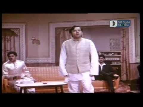 mujeeb aalam  main tera shahar chhore jaoonga shama aur parwana...